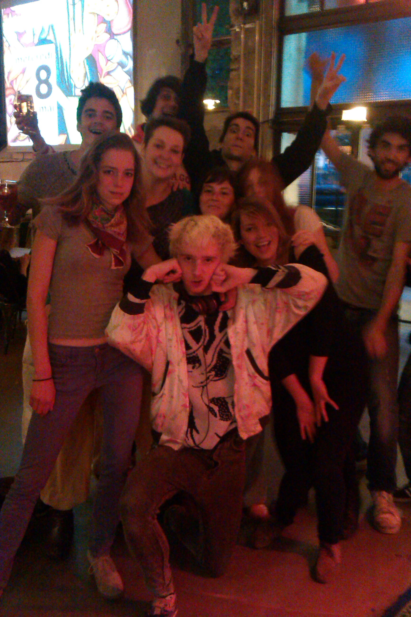 TOUR TIMES: BREAKDANCERS AT NANTES (incredible!)